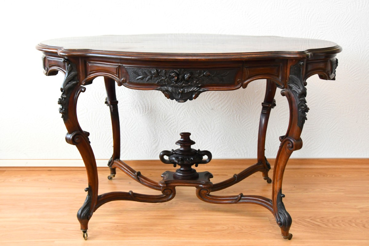 Antiker Esstisch 1880